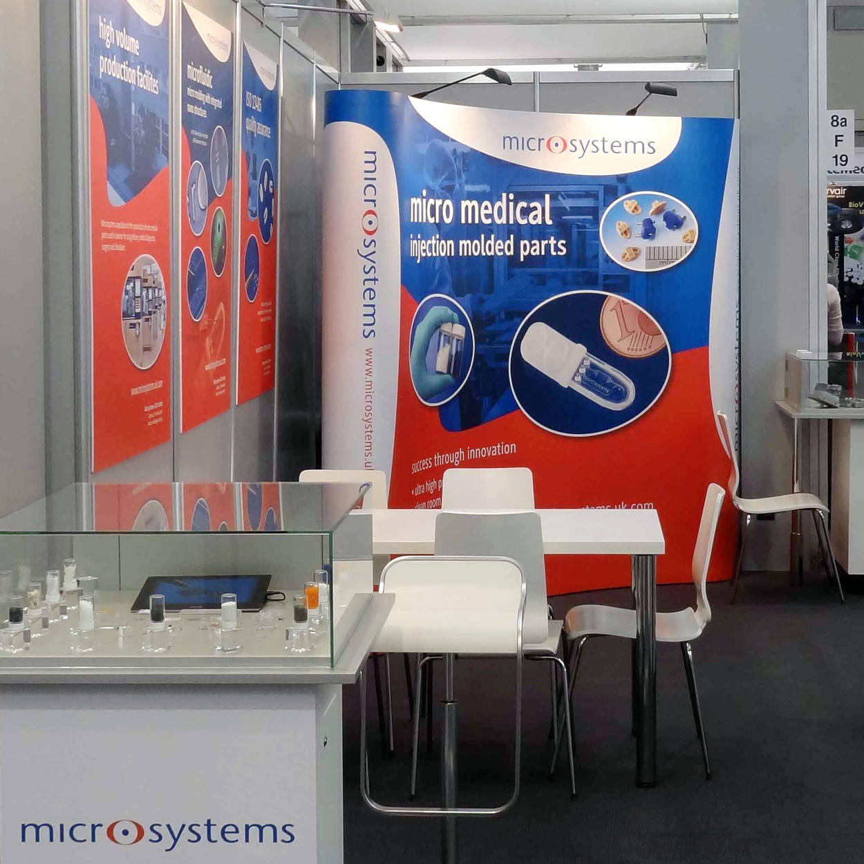 pop-up-stand-exhibition-print-design-microsystems-compamed-orangebox